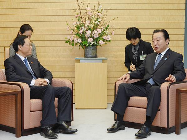 谢旭人会见日本首相野田佳彦